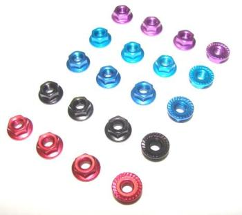 T.O.P. Racing M4 Alum.Serrated Wheel Nut black (4 pcs)