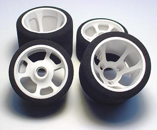 Team CRC 1/12 Front Pro-Cut tires - Magenta compound (pr.)
